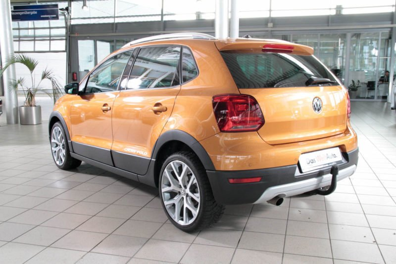 verkauft vw polo cross 1 2 tsi bmt ahk gebraucht 2017 km in verl. Black Bedroom Furniture Sets. Home Design Ideas