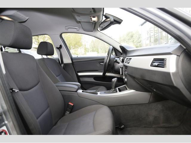 verkauft bmw 318 i aut lim navigat gebraucht 2010. Black Bedroom Furniture Sets. Home Design Ideas