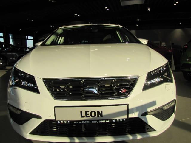 verkauft seat leon st fr facelift 1 8 gebraucht 2017 10 km in malchow. Black Bedroom Furniture Sets. Home Design Ideas
