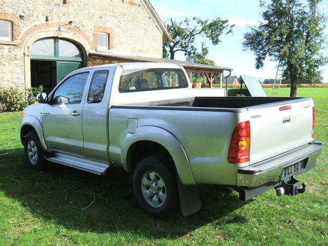 verkauft toyota hilux 4x4 extra cab so gebraucht 2006 km in dissen. Black Bedroom Furniture Sets. Home Design Ideas