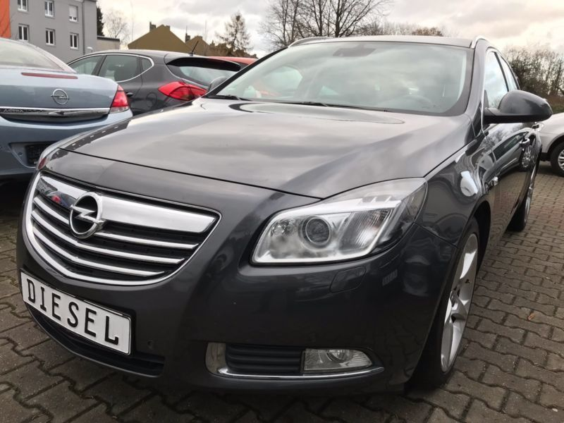 verkauft opel insignia sports tourer s gebraucht 2010 km in dortmund. Black Bedroom Furniture Sets. Home Design Ideas