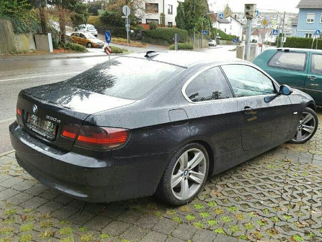 verkauft bmw 330 3er coupe aut top zu gebraucht 2006 km in albershausen. Black Bedroom Furniture Sets. Home Design Ideas