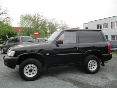 verkauft nissan patrol 3 0 di wenig k gebraucht 2006 km in nauheim. Black Bedroom Furniture Sets. Home Design Ideas