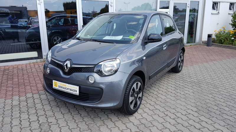 gebraucht limited sce 70 edc renault twingo 2017 km in berlin. Black Bedroom Furniture Sets. Home Design Ideas