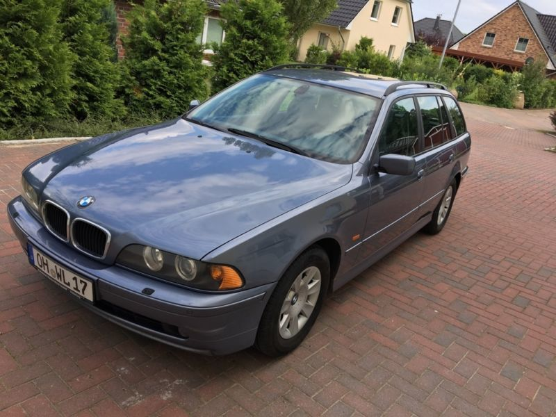 verkauft bmw 525 d touring gebraucht 2002 km in neustadt. Black Bedroom Furniture Sets. Home Design Ideas