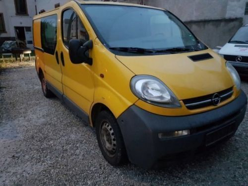 verkauft opel vivaro 1 9 diesel 9 si gebraucht 2005 km in aglasterhausen. Black Bedroom Furniture Sets. Home Design Ideas
