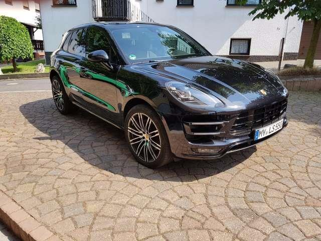 verkauft porsche macan turbo r ckfahrk gebraucht 2016 0 km in essen. Black Bedroom Furniture Sets. Home Design Ideas