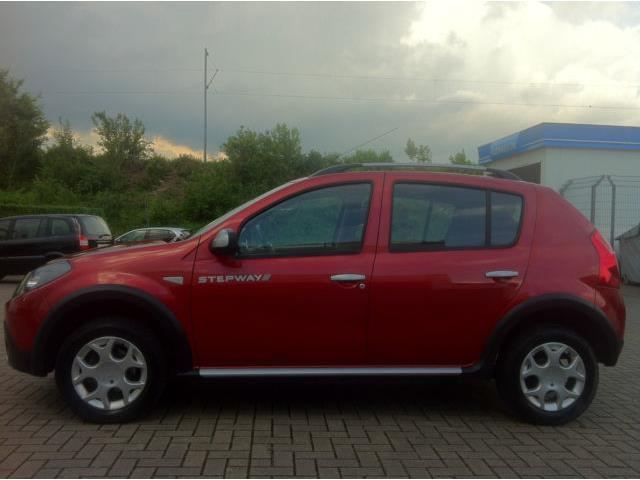 verkauft dacia sandero stepway klima a gebraucht 2010 km in kreuztal. Black Bedroom Furniture Sets. Home Design Ideas