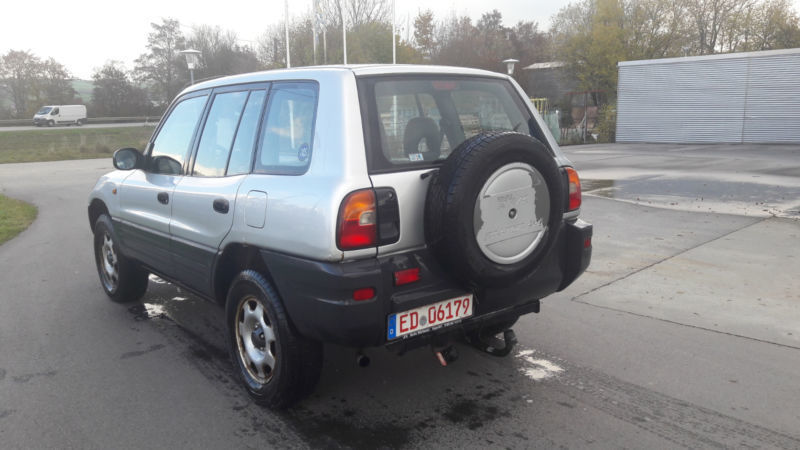 verkauft toyota rav4 gebraucht 1997 km in walpertskirchen. Black Bedroom Furniture Sets. Home Design Ideas