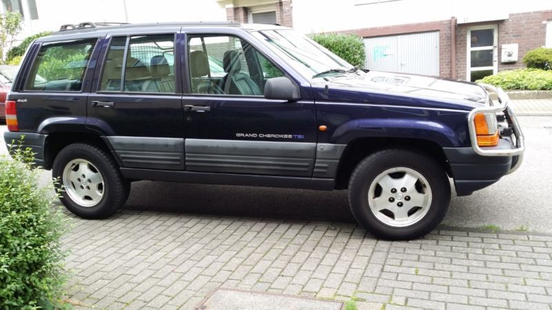 verkauft jeep grand cherokee 4 0 tsi gebraucht 1998 km in essen. Black Bedroom Furniture Sets. Home Design Ideas