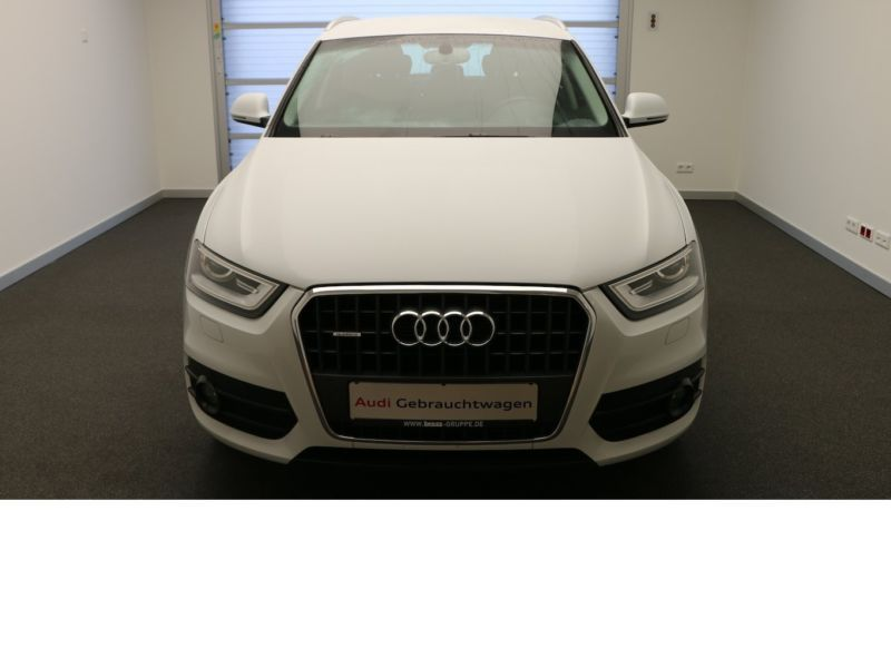 verkauft audi q3 2 0 tdi quattro s tro gebraucht 2013 km in marburg. Black Bedroom Furniture Sets. Home Design Ideas