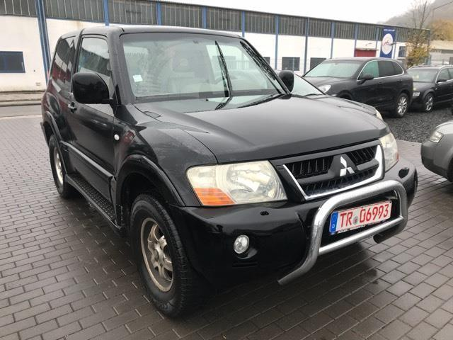 verkauft mitsubishi pajero 3 2 di d av gebraucht 2003 km in trier. Black Bedroom Furniture Sets. Home Design Ideas
