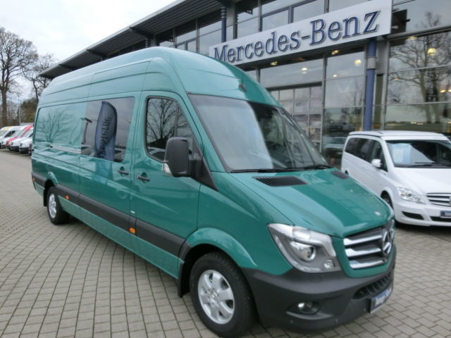 verkauft mercedes sprinter 319 cdi ka gebraucht 2015 150 km in oldenburg. Black Bedroom Furniture Sets. Home Design Ideas