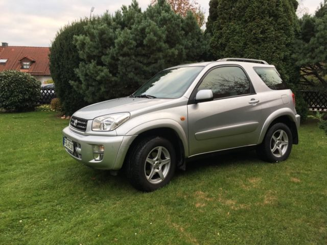 verkauft toyota rav4 4x4 vvt i 3 t rig gebraucht 2002 km in f rstenfeldbruck. Black Bedroom Furniture Sets. Home Design Ideas