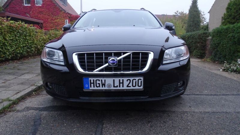 verkauft volvo v70 2 5t summum gebraucht 2008 km. Black Bedroom Furniture Sets. Home Design Ideas