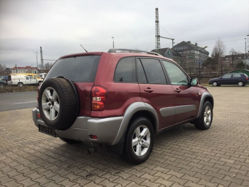 verkauft toyota rav4 4x4 automatik kli gebraucht 2005 km in schwelm. Black Bedroom Furniture Sets. Home Design Ideas
