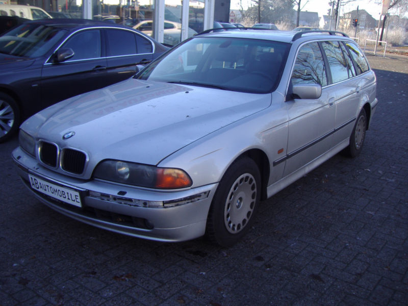 verkauft bmw 523 i touring gebraucht 1999 km in bremen. Black Bedroom Furniture Sets. Home Design Ideas