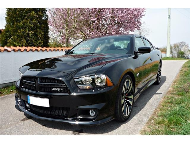 verkauft dodge charger srt8 6 4 hemi gebraucht 2014. Black Bedroom Furniture Sets. Home Design Ideas