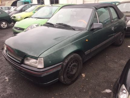 verkauft opel kadett cabrio mit t v gebraucht 1993 89. Black Bedroom Furniture Sets. Home Design Ideas