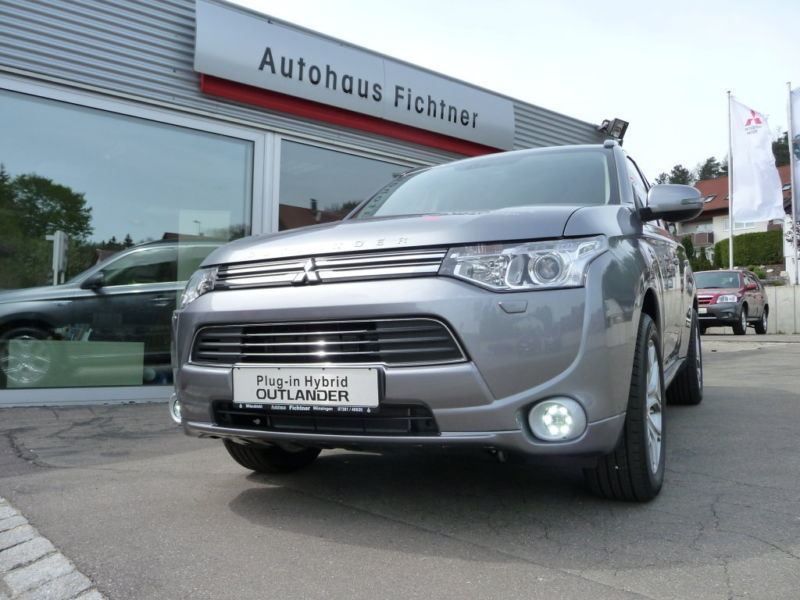 verkauft mitsubishi outlander 2 0 4wd gebraucht 2015 10 km in heidelberg. Black Bedroom Furniture Sets. Home Design Ideas