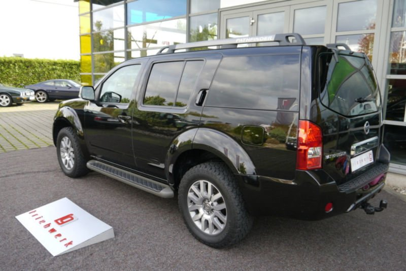 verkauft nissan pathfinder 2 5 dci se gebraucht 2014 km in dortmund. Black Bedroom Furniture Sets. Home Design Ideas