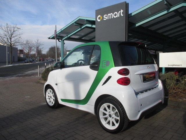 fortwo electric drive gebrauchte smart fortwo electric. Black Bedroom Furniture Sets. Home Design Ideas