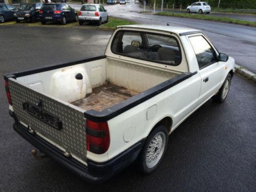 verkauft vw caddy pickup 1 6 9u71d2 gebraucht 2000 136. Black Bedroom Furniture Sets. Home Design Ideas