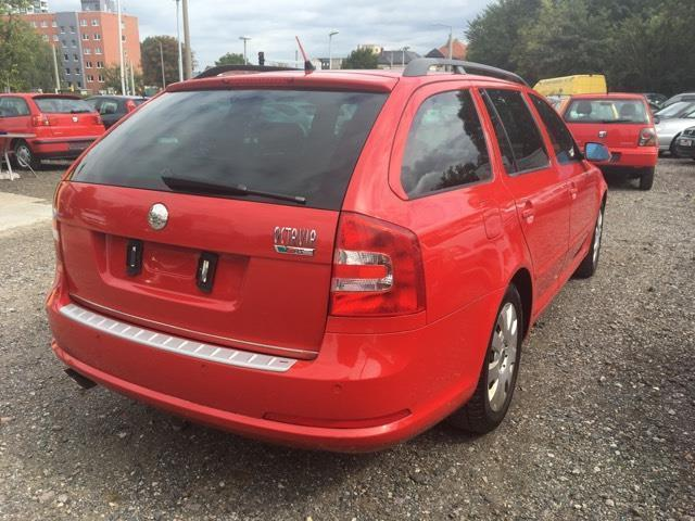 verkauft skoda octavia combi 2 0 tdi d gebraucht 2007 km in dresden. Black Bedroom Furniture Sets. Home Design Ideas