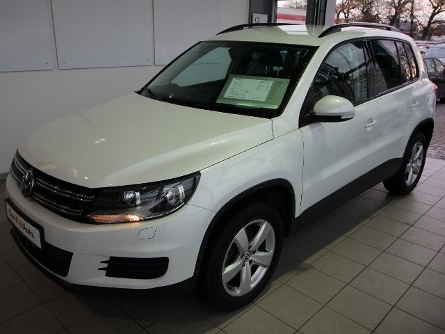 verkauft vw tiguan pdc climatr gra all gebraucht 2015 km in aurich. Black Bedroom Furniture Sets. Home Design Ideas