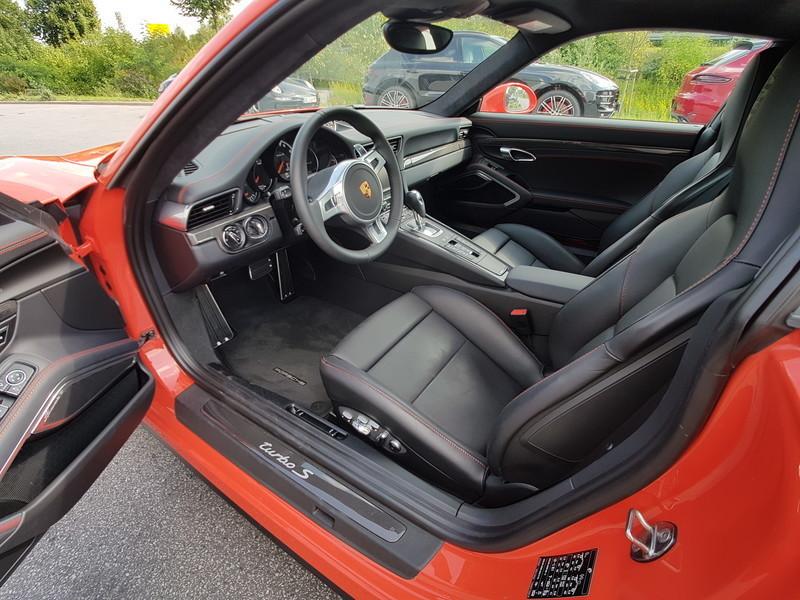 verkauft porsche 911 turbo s 991 3 8 l gebraucht 2015 6. Black Bedroom Furniture Sets. Home Design Ideas