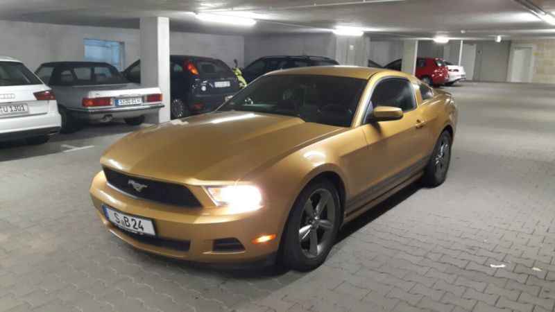 verkauft ford mustang gebraucht 2010 km in stuttgart. Black Bedroom Furniture Sets. Home Design Ideas