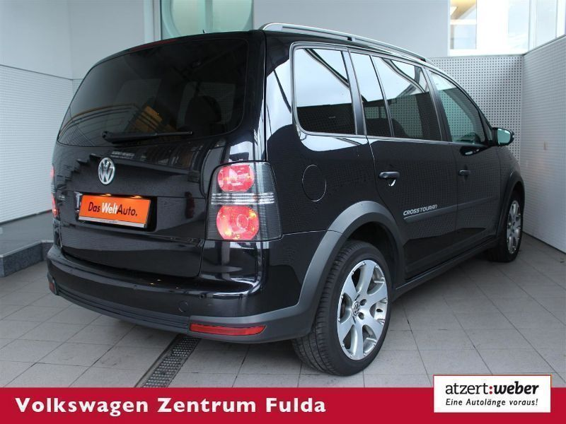 verkauft vw touran cross touran 1 4 ts gebraucht 2009 km in fulda. Black Bedroom Furniture Sets. Home Design Ideas