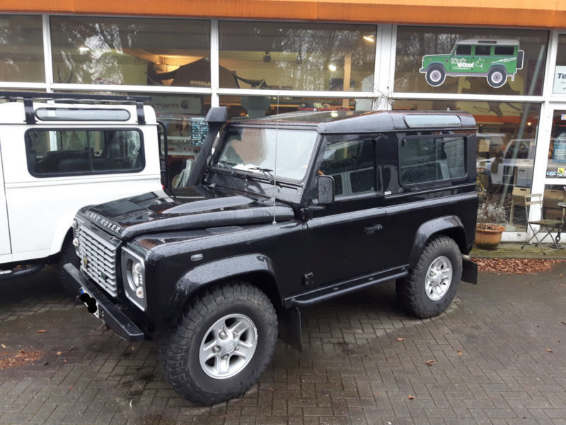 verkauft land rover defender gebraucht 2009 km in schwerin. Black Bedroom Furniture Sets. Home Design Ideas