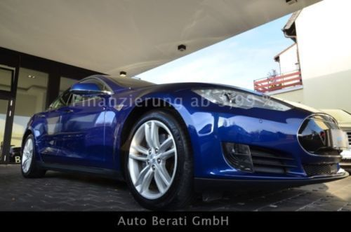verkauft tesla model s gebraucht 2015 km in. Black Bedroom Furniture Sets. Home Design Ideas