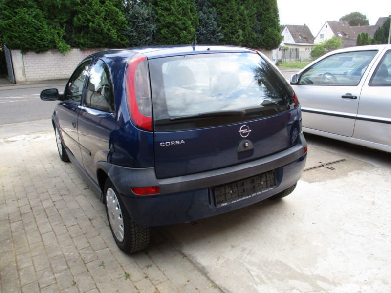 verkauft opel corsa c 1 2 klima nur 98 gebraucht 2002 km in elsdorf. Black Bedroom Furniture Sets. Home Design Ideas