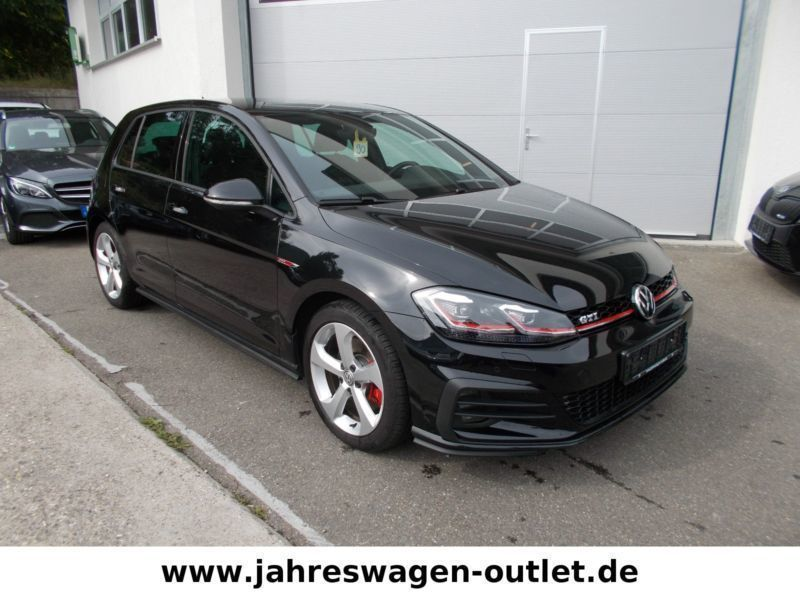 verkauft vw golf vii 2 0 tsi gti face gebraucht 2017. Black Bedroom Furniture Sets. Home Design Ideas