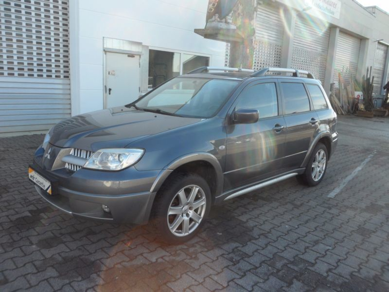 verkauft mitsubishi outlander 2 0 4wd gebraucht 2007 km in sch naich bei b b. Black Bedroom Furniture Sets. Home Design Ideas