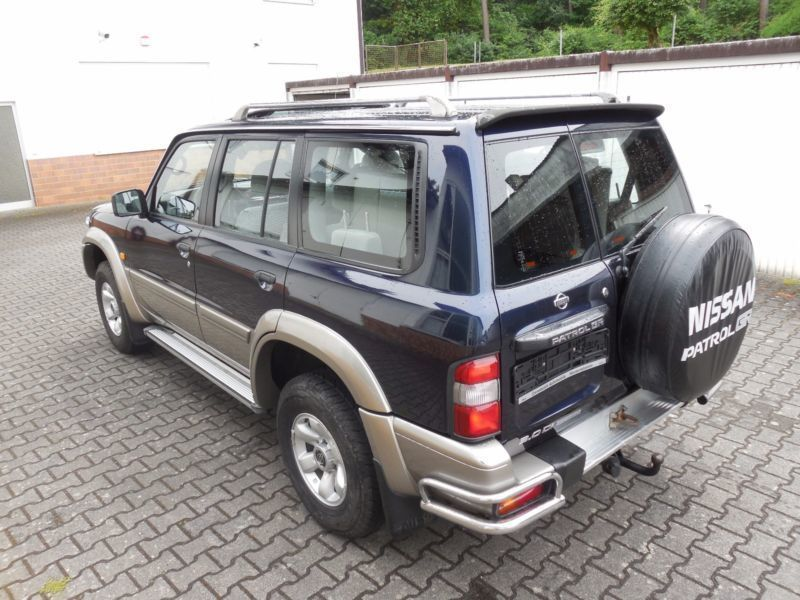 verkauft nissan patrol gr 3 0 di luxury gebraucht 2002 km in heusenstamm. Black Bedroom Furniture Sets. Home Design Ideas