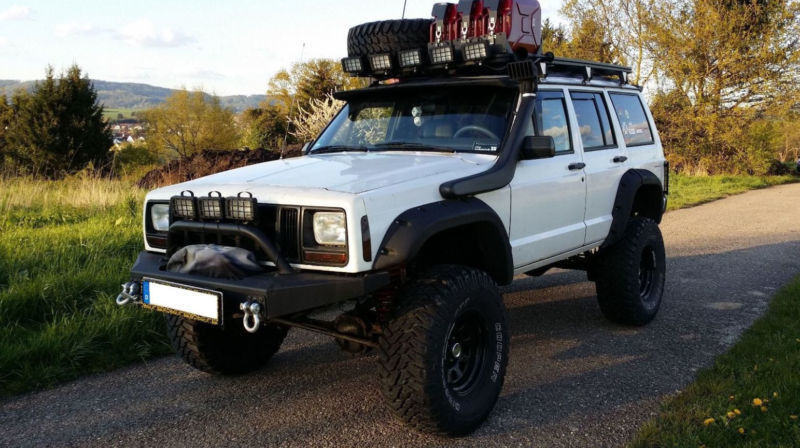 verkauft jeep cherokee 4 0 automatik l gebraucht 1991 km in helbra. Black Bedroom Furniture Sets. Home Design Ideas