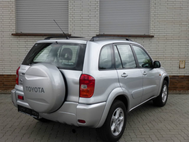 verkauft toyota rav4 4x4 gebraucht 2002 km in neitersen. Black Bedroom Furniture Sets. Home Design Ideas