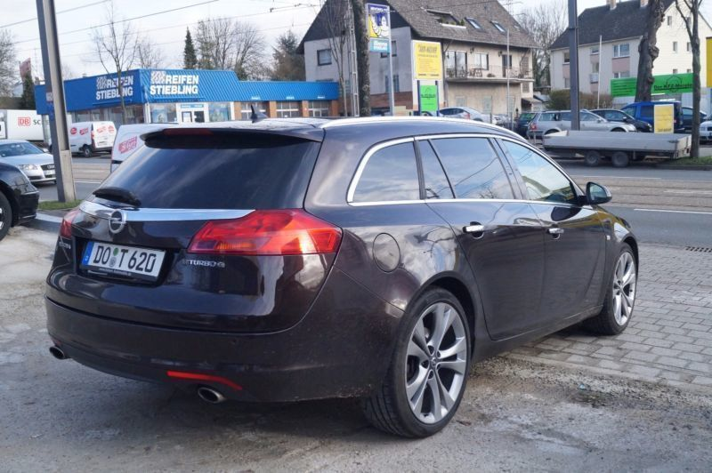 verkauft opel insignia sports tourer i gebraucht 2012 km in dortmund. Black Bedroom Furniture Sets. Home Design Ideas
