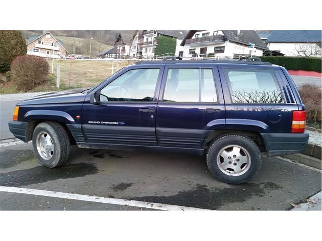 verkauft jeep grand cherokee 4 0 tsi gebraucht 1998 212. Black Bedroom Furniture Sets. Home Design Ideas