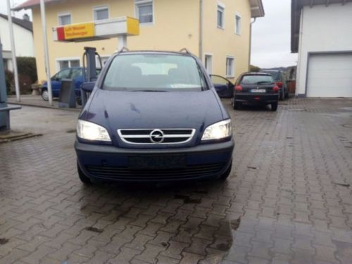 verkauft opel zafira 1 6 comfort euro gebraucht 2003 km in falkenberg. Black Bedroom Furniture Sets. Home Design Ideas