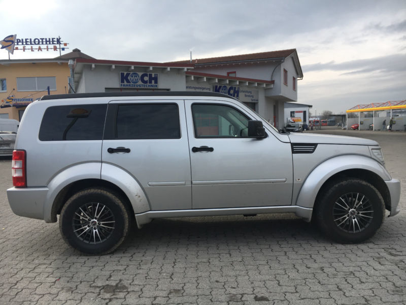 verkauft dodge nitro 4 0 automatik r t gebraucht 2008 km in schopfheim. Black Bedroom Furniture Sets. Home Design Ideas
