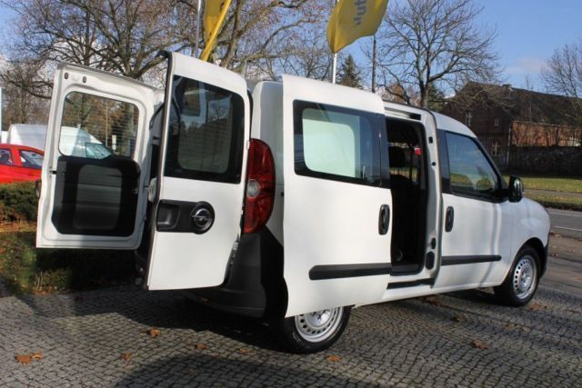verkauft opel commodore combo 1 4 l1h1 gebraucht 2012 km in berlin buchholz. Black Bedroom Furniture Sets. Home Design Ideas