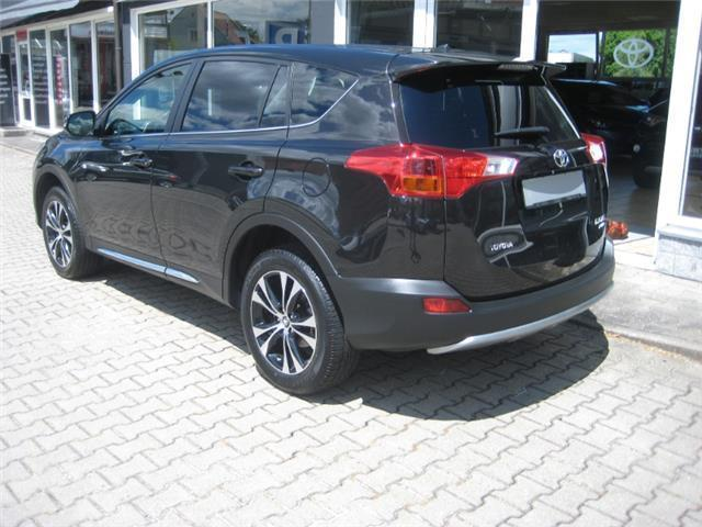 verkauft toyota rav4 2 2 d 4d 4x4 auto gebraucht 2015 km in deggendorf. Black Bedroom Furniture Sets. Home Design Ideas