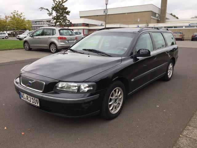 verkauft volvo v70 2 4 ahk gebraucht 2001 km. Black Bedroom Furniture Sets. Home Design Ideas