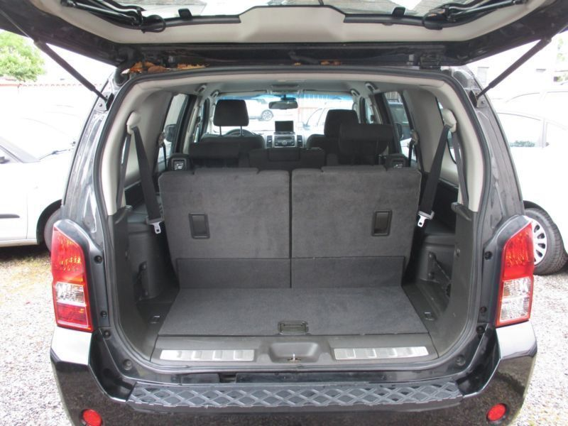 verkauft nissan pathfinder 2 5 dci aut gebraucht 2007 km in landau in der pfalz. Black Bedroom Furniture Sets. Home Design Ideas