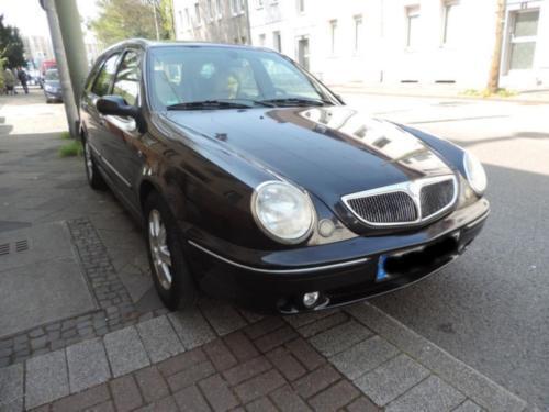 verkauft lancia lybra station wagon 2.., gebraucht 2000, 160.000 km