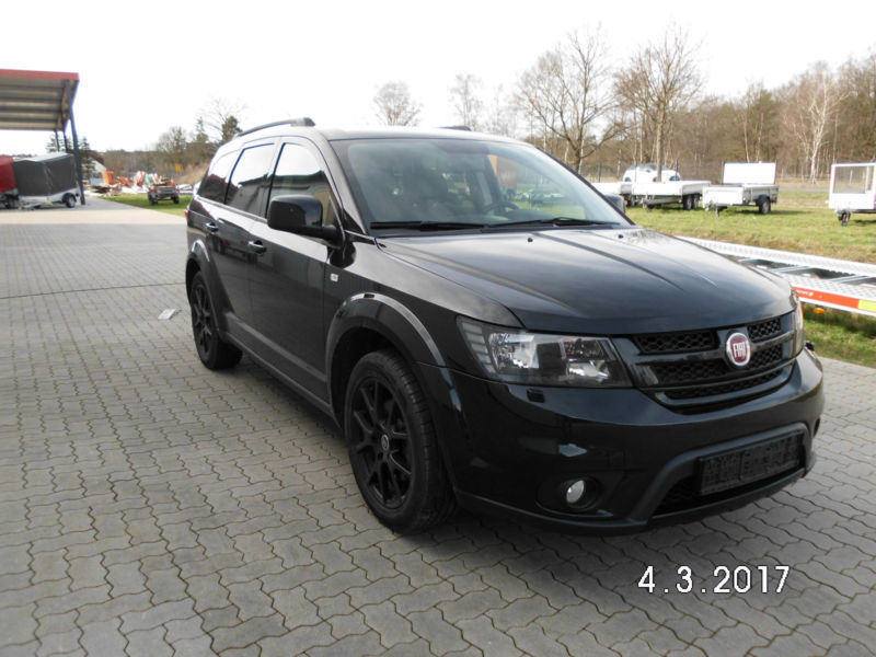 verkauft fiat freemont black code awd gebraucht 2015 km in wietze. Black Bedroom Furniture Sets. Home Design Ideas